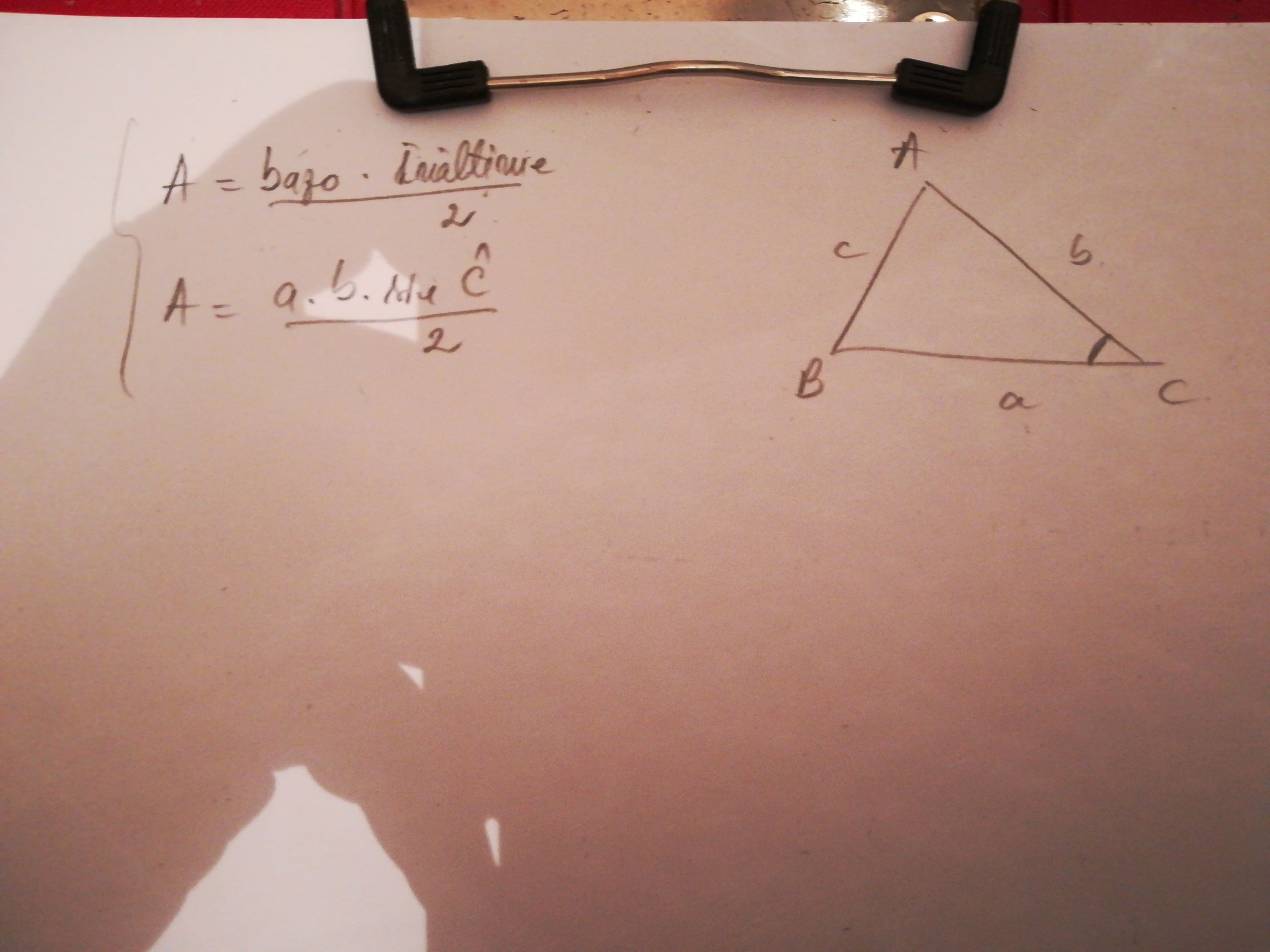 Model triunghi 3 pentru a cunoaște și a utiliza în tranzacționare
